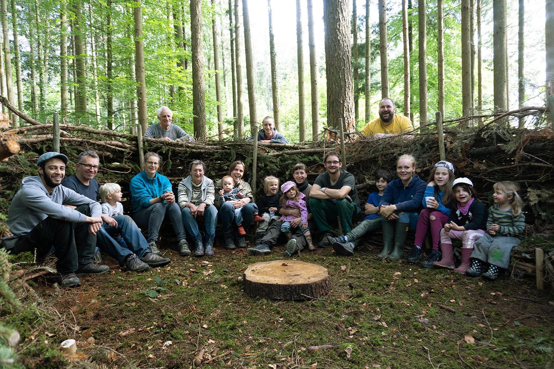 Das neue Waldsofa der Waldspielgruppe Wildwuchs